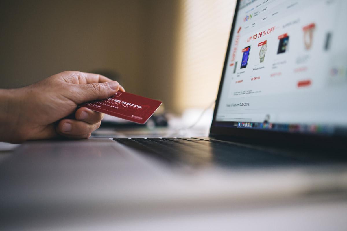 Shopping su Instagram: l'ecommerce sbarca sul social